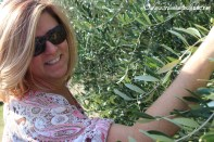 travel-with-wendy-cooking-in-italy-carin-in-the-olive-grove
